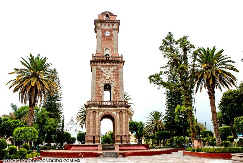 tecozautla-pueblos-magicos-hidalgo-geiser-aguas-termales-turismo